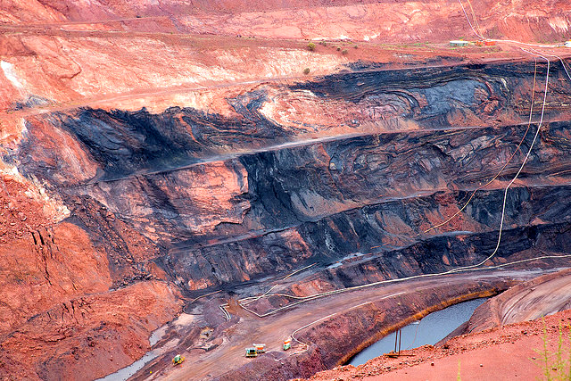 rio tinto mine by Robyn Jay CC BY-SA 2.0