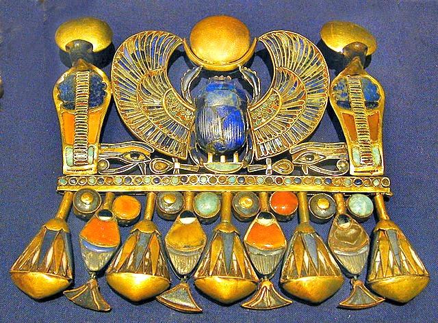 Tutankhamun_scarab