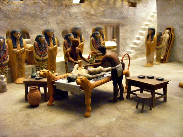 Field Museum - diorama of Egyptian mummification process. Image credit: Erika Smith cc2.0