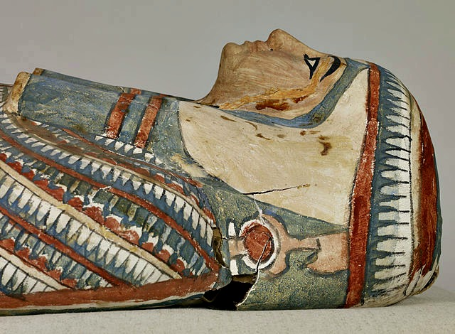 Egyptian_Mummy_and_Painted_Cartonnage_of_an_Unknown_Woman_Walters
