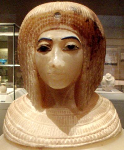 ancient_Egypt_wig_CanopicJar-AmarnaQueen-CloseUp_MetropolitanMuseum