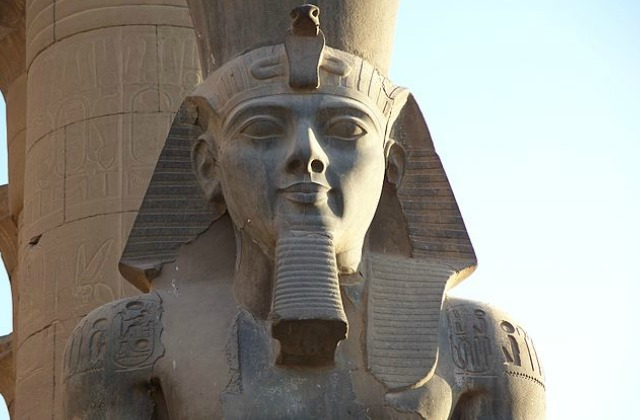 Closeup_Ramesses_II_Colossus