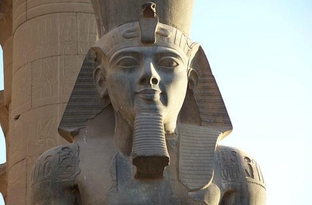Closeup_Ramesses_II_Colossus