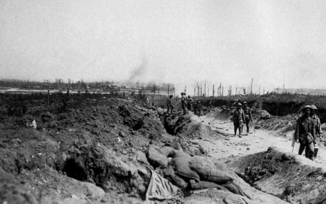 Road_to_Pozieres_August_1916_(AWM_EZ0084)