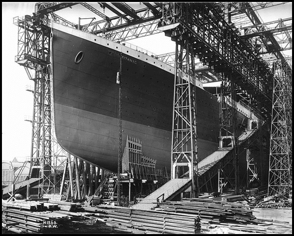 06-RMS_Titanic_ready_for_launch,_1911