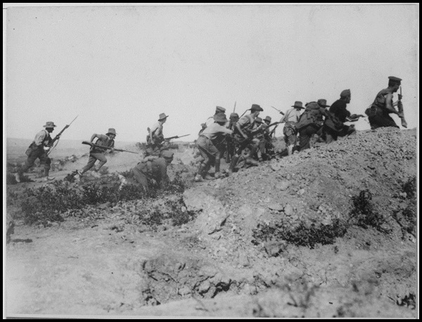 12-Australian_troops_charging_near_a_Turkish_trench._When_they_got_there_the..._-_NARA_-_533108