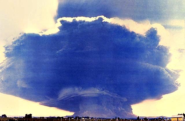MtStHelens_Mushroom_Cloud