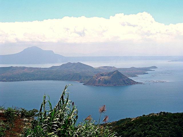 Taal_Lake_Philippines
