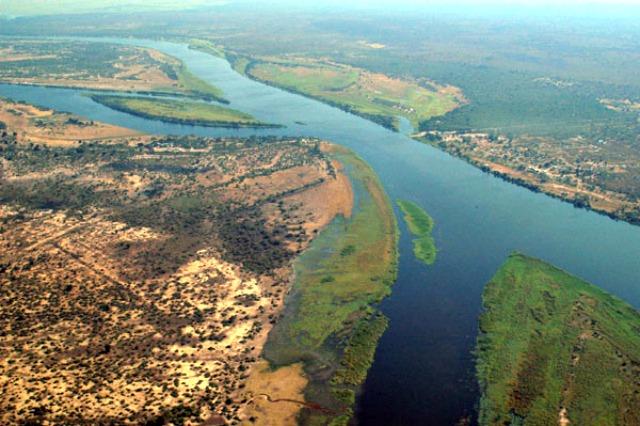 Zambezi_River_at_junction_of_Namibia