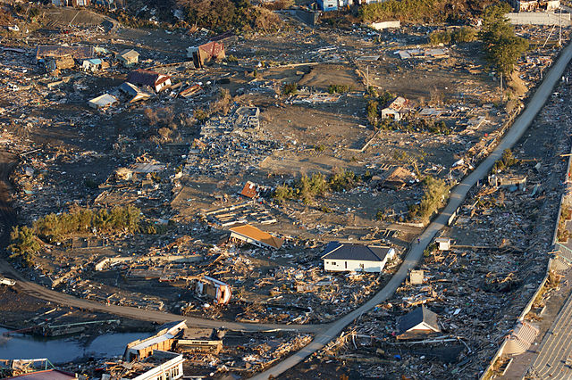 US_Navy_110318-N-0076O-004_An_aerial_view_of_damage_to_northern_Honshu,_Japan,_after_a_9.0_magnitude_earthquake_and_subsequent_tsunami_devastated