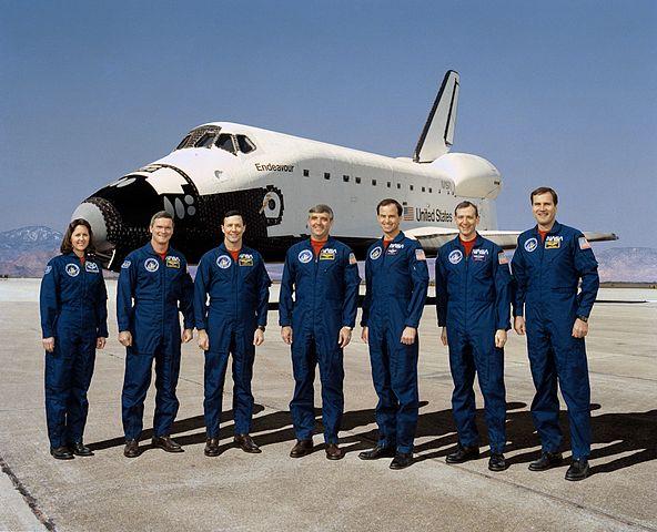 STS-49_crew