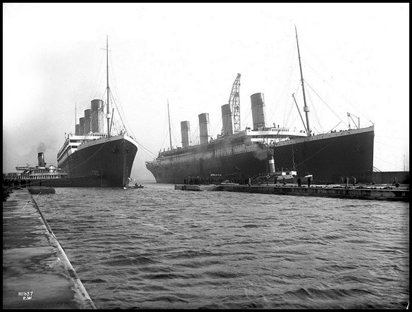 11-Olympic_and_Titanic