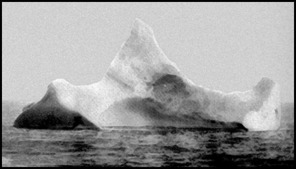 15-Titanic_iceberg